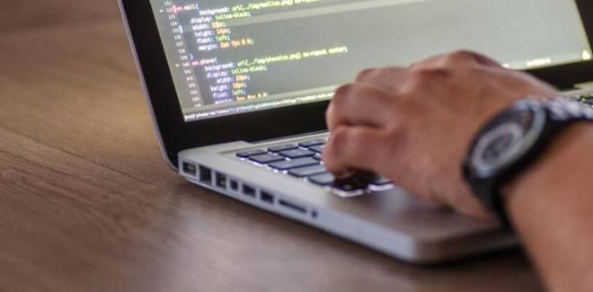 Feature thumb hiring software development company for ctos